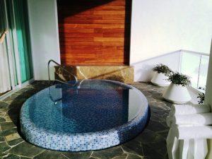 deck plunge pool